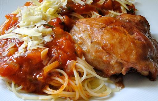 Espaguete com Frango Assado - Restaurante Central Frutas